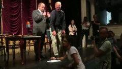 Артисты театра Купалы кинули министру культуры Белоруссии заявления