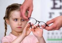 Очки для ребенка: как убедить их носить