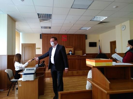В суде рассматривают дело о технических кандидатах врио Цыбульского