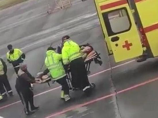 По словам девушки, блогеру поплохело через 40 минут после вылета
