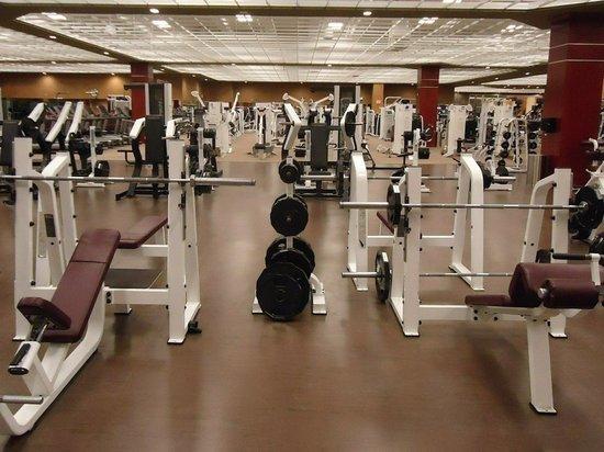 В Нью-Йорке открываются спортзалы