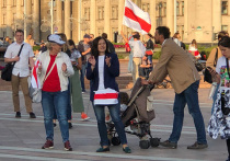 Цветная революция, захват власти, военные НАТО у границ Беларуси, вооруженные силы проводят комплексное тактическое учение, карать, судить, не допустить – такие новости каждый час крутят по государственным телеканалам Белоруссии