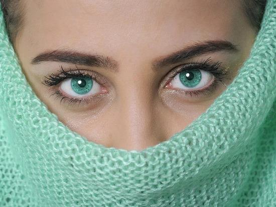 Врачи: эта болезнь может развиться при долгом ношении маски