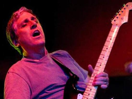 Скончался экс-гитарист группы Red Hot Chili Peppers Джек Шерман