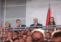 В сети выразили сочувствие Лукашенко-младшему, предложив его усыновить