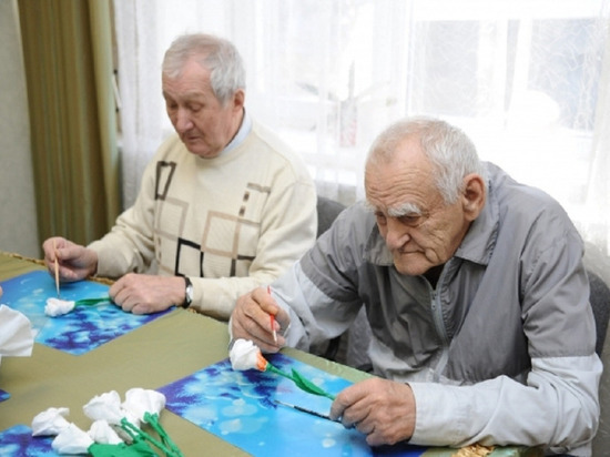 В Волгоградской области открылись 8 школ родственного ухода за стариками