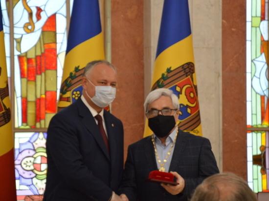 Издатель «МК» получил высшую награду Молдовы