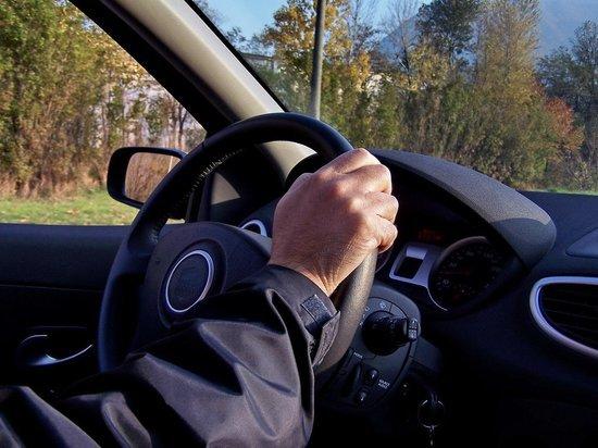 В Тверской области четыре человека незаконно находились за рулем