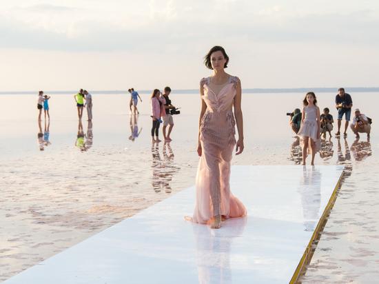 Сасык-Сиваш впервые стал подиумом спецпроекта Крымской Недели Моды