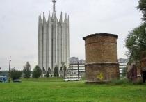 Бывшая силосная башня совхоза «Лесное» на Тихорецком проспекте, 17 (в так называемом «саду Бенуа») превратится в выставочный павильон