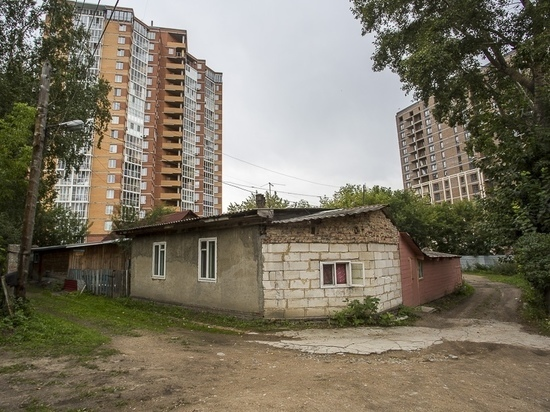 Жуткие условия проживания-2: как живут люди в семи минутах от Новосибирского метро