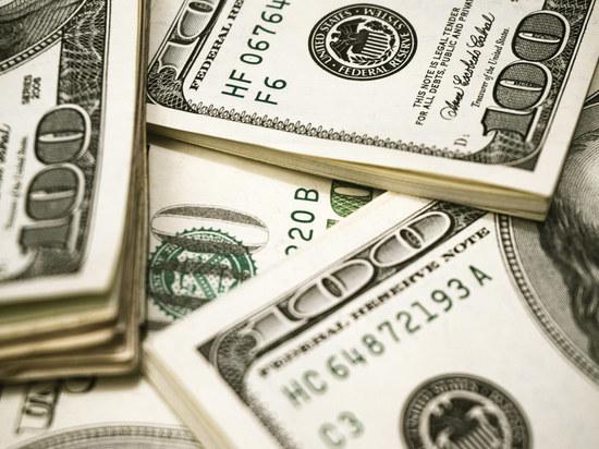 $300 прибавки к пособию по безработице: кто его получит и когда