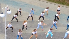 «Танцы» на ТНТ: флешмоб в Барнауле