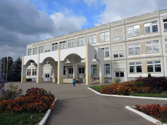 Родителей перестанут пускать в российские школы