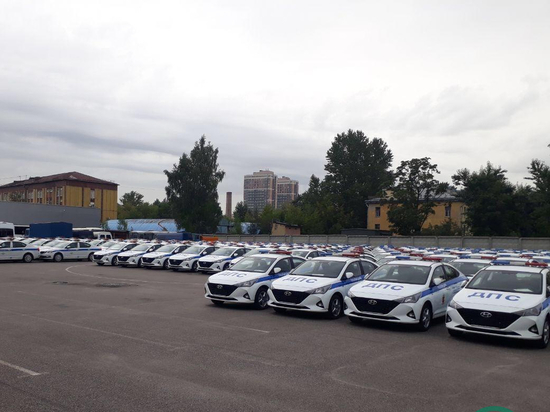 Для дорожной полиции Петербурга купили машины с прослушкой