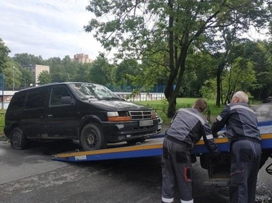 Петербуржцы решили не платить транспортный налог: ждут его отмены