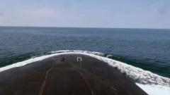 Всплывшую у берегов Аляски российскую подлодку сняли на видео