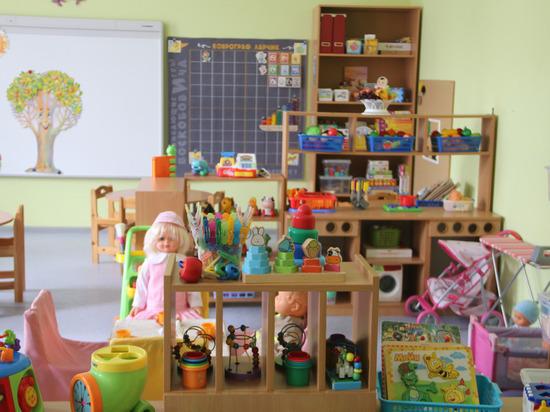 Псковским школам и детсадам не хватает молодых кадров