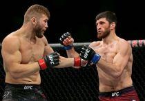 В воскресенье в Лас-Вегасе (США) пройдет очередной турнир UFC. В рамках шоу Fight Night 175 состоится реванш между россиянином Магомедом Анкалаевым и молдаванином Ионом Куцелабой. Первая встреча завершилась большим скандалом: соперник нашего спортсмена симулировал нокдаун, а судья остановил схватку. Теперь пришло время реванша.