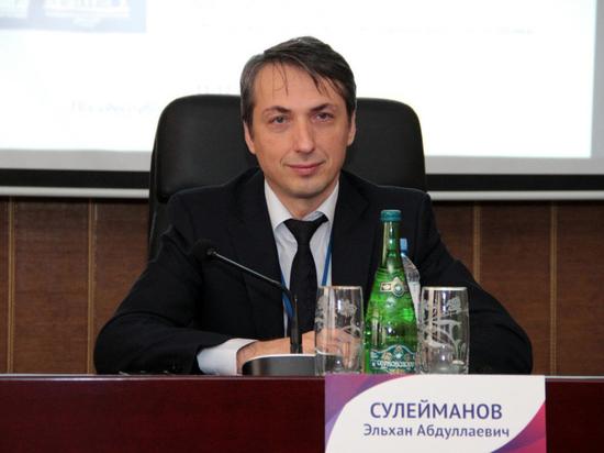 Глава минздрава Чечни испытал на себе российскую вакцину от COVID-19