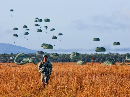 Белоруссия окружена: Генштаб сообщил о военном контингенте у границ