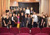 Сергей Пускепалис встретился с юными любителями театра Красное-на-Волге