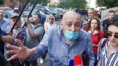 Свидетель защиты Ефремова обозвал журналистов подлецами и попал на видео