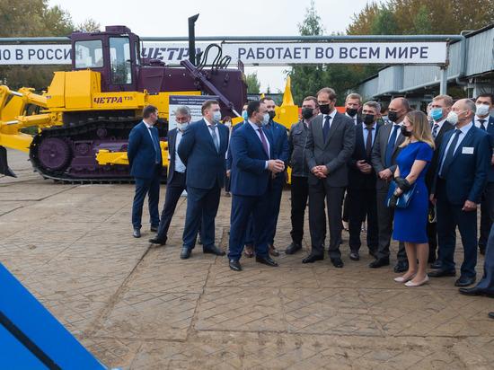 Денис Мантуров лично протестировал технику «Тракторных заводов» в Чебоксарах