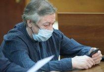 Процесс по делу Михаила Ефремова окончательно превратился в трагифарс с очень плохими актерами