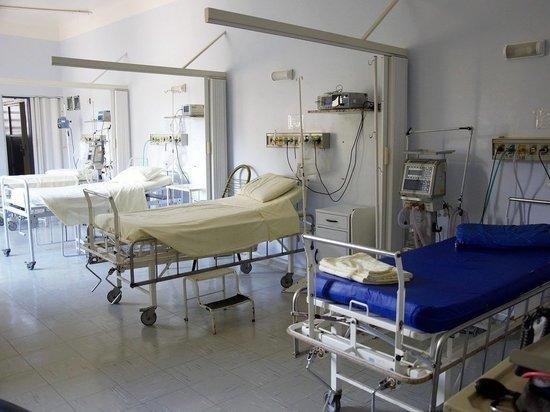 Смольный заявил о готовности развернуть 12 тысяч коек для больных COVID