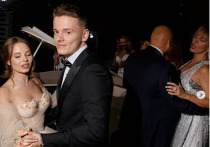 Сын певицы Валерии женился на уроженке Бурятии