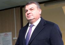 Сердюков назвал возможные сроки ухода на пенсию