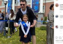 Шоумен Гарик Харламов 1 сентября лично отвел свою дочь Анастасию в школу, в первый класс