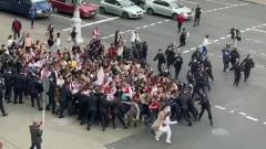 Опубликовано видео прорыва студентов к минскому КГБ