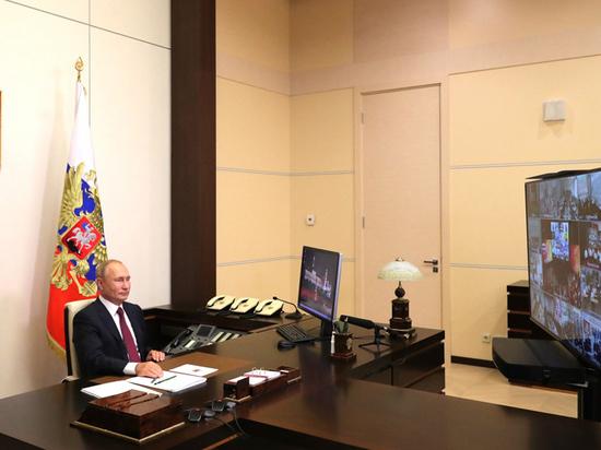 Президент и премьер 1 сентября пообщались с учениками и студентами
