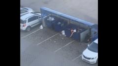 Мужчина после ссоры выкинул назойливую даму в мусорку: не помогло