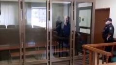 Убивший троих киллер Буханков получил пожизненный срок: кадры суда