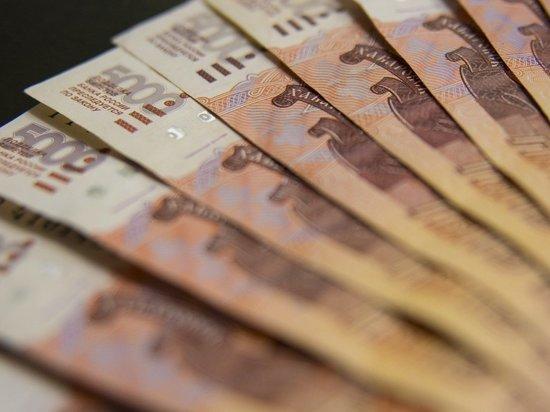 По мнению экономиста Александра Разуеваева, это поможет сбалансировать заморозку пенсий