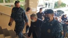 Прибытие Ефремова превратили в шоу трансвеститов: кадры от здания суда