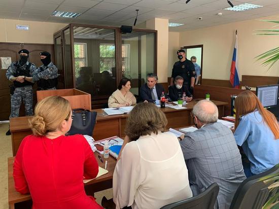 По словам адвоката родных Сергея Захарова, были даны заведомо ложные показания
