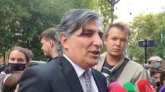 Защита Ефремова отреагировала на запрошенный для актёра срок: кадры возмущения