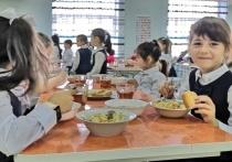 Глава КЧР Темрезов остался доволен горячим питанием в школах