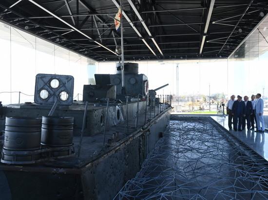 Уникальный мемориальный комплекс с бронекатером появился в Волгограде