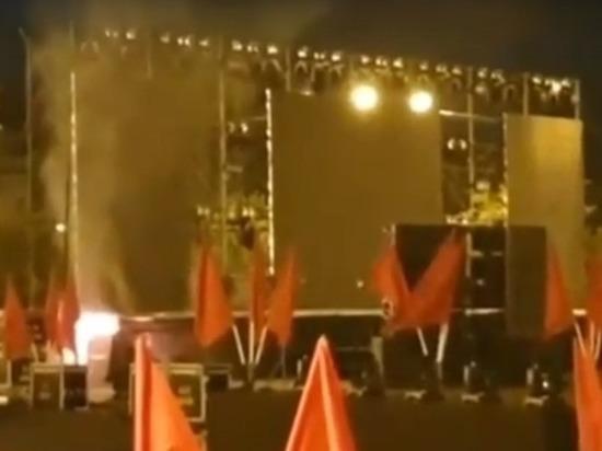 Аппаратура загорелась во время концерта на площади Ленина в Чите