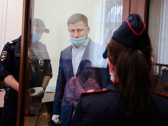 К арестованному экс-губернатору Хабаровского края подсадили Михаила Абызова