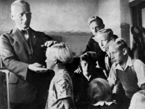 Die Tragödie der Kinder, die im Zweiten Weltkrieg nach Deutschland gebracht wurden