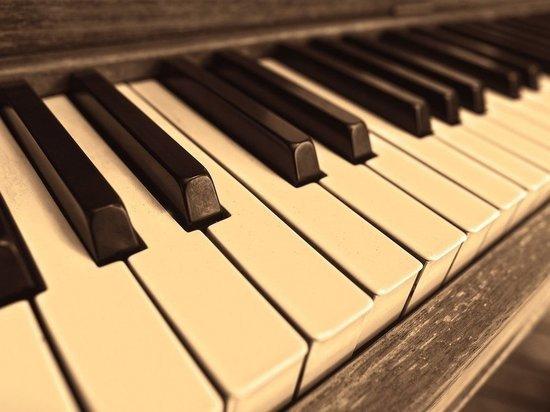 Пианист из России побил мировой рекорд по игре без перерыва