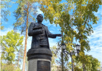Монумент директора первого ангарского комбината отлили в Улан-Удэ