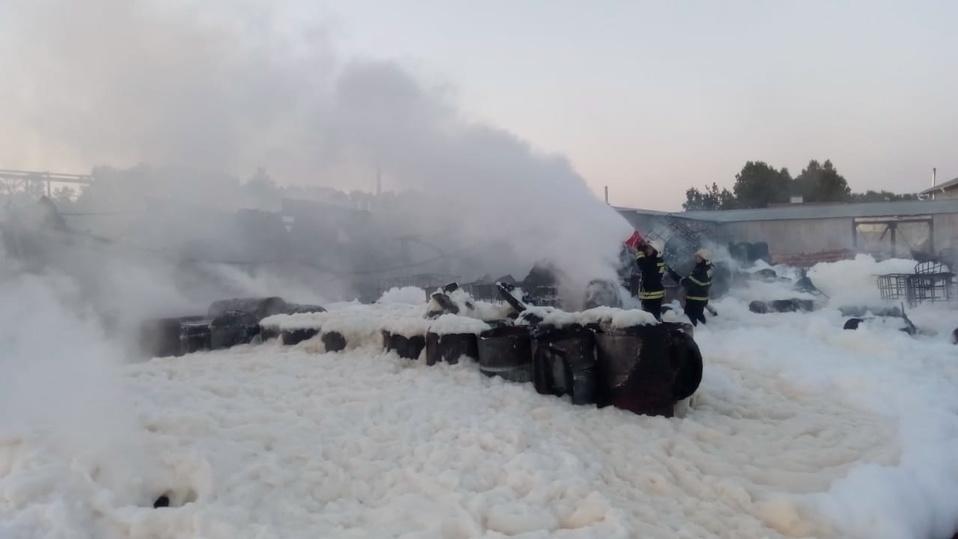 Крупный пожар произошел на пилораме в Верхней Пышме