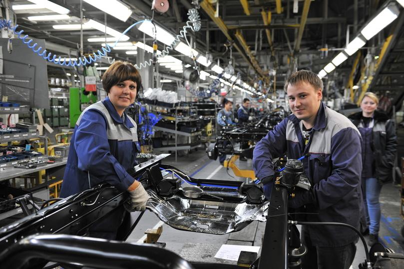 На автомобильных заводах Дерипаски рабочим помогают купить квартиры
